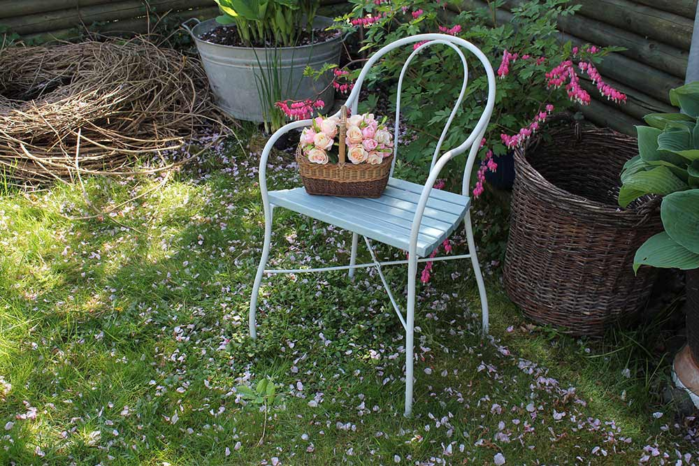 antiker gartenstuhl restauriert wohnzopf shabby chic deko onlineshop. Black Bedroom Furniture Sets. Home Design Ideas